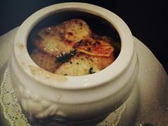 Soup a l'oignon, recette de grand pere Henri, Brasserie Gavroche, 66 Tras Street, Singapore