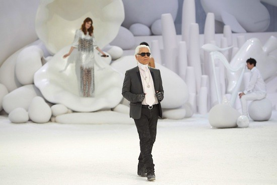 Spring 2012 RTW Collection - Candids (22)