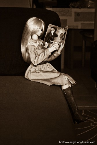 Yukino reading