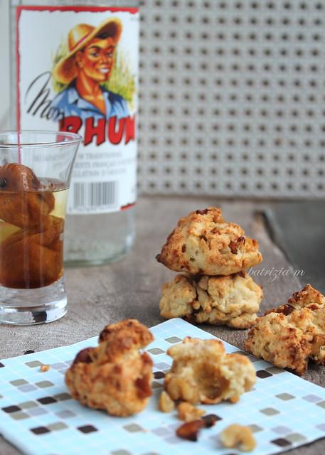 Cookies al parmigiano noci e fichi nel rum