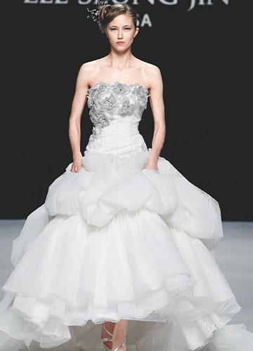 Top 2 Lee Seung Jin Ball Gown Wedding Dress