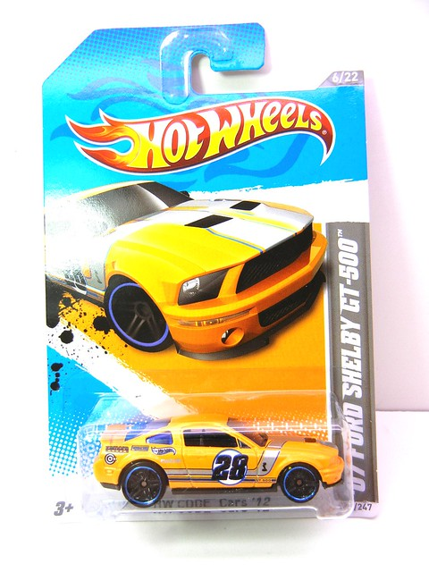 HOT WHEELS '07 FORD SHELBY GT-500 YELLOW (1)