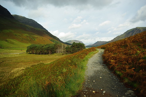20110925-02_Path in Warnscale Bottom (looking towards Buttermere) by gary.hadden