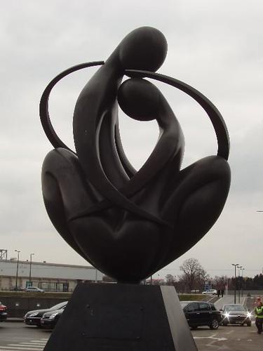 200802210081_Strasbourg-Europe-a-coeur-sculpture_Vga