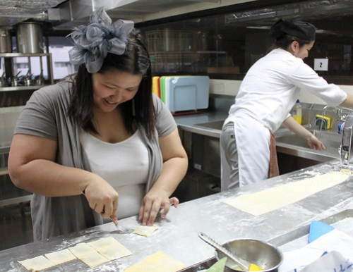 Sharlyne making some ravioli at Istituto Culinario - 3