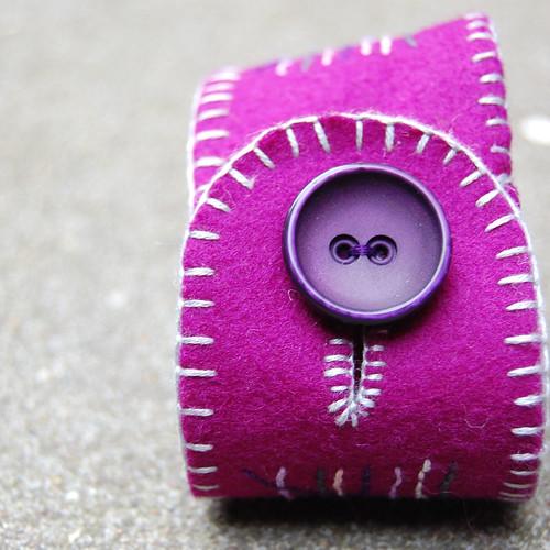 Studio Paars fiber bracelet purple paars armband wol