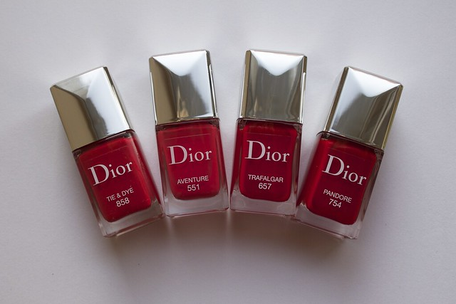 19 Dior 551 Aventure, Pandore swatches comparison