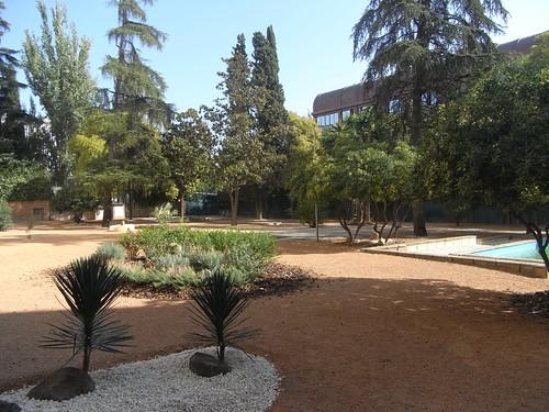 Inmenso patio en el Edificio de los Ministerios donde piden ubicar el aparcamiento para bicicletas.