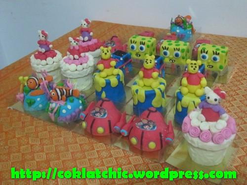 Minicake Hello Kitty, minicake little einstein, minicake nemo, minicake winnie the pooh, minicake spongebob