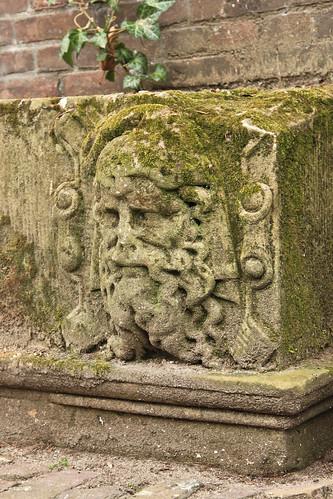 Sculpture, Canal