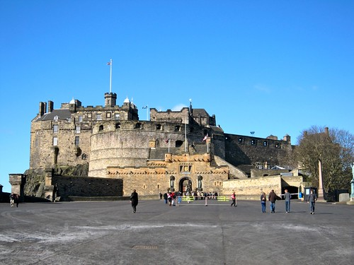 Edinburgh Castle with a blue sky?! by Webminkette