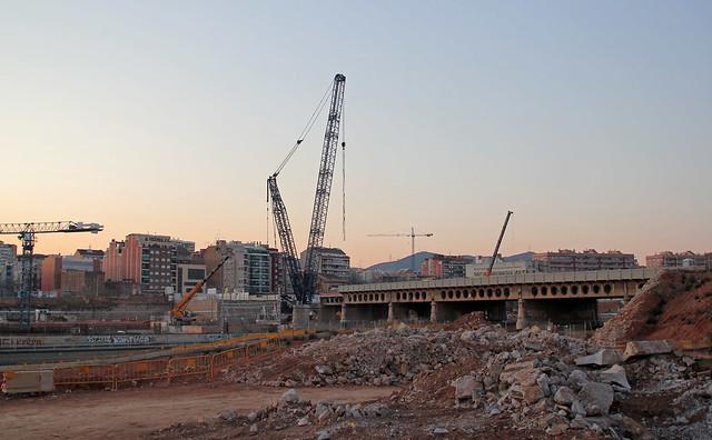 Desmontaje del puente del Trabajo