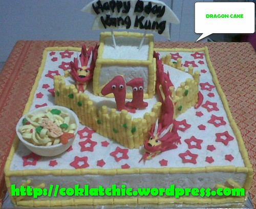 Cake Dragon dan mie panjang umur