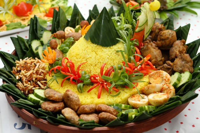 Traditional Indonesian Food Images Amp Pictures Becuo