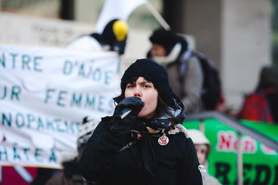 Manifestation d'appui: Le 16/02 on bloque le Centre de commerce mondial [photos Thien V]