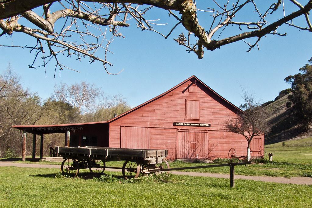 Red barn, Garin Dry Creek Pioneer Regional Park