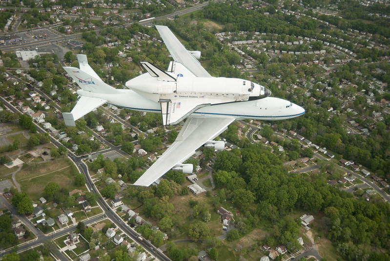 Space Shuttle Discovery DC Fly-Over (201204170010HQ)