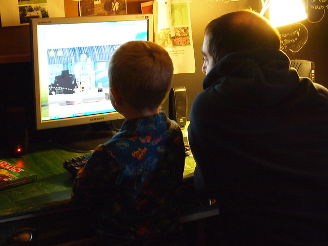 showing daddy how to play angry birds
