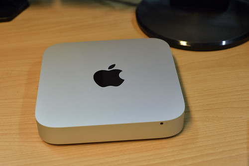 Mac Mini 正面