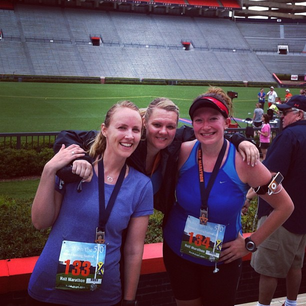 Three happy runners (@brunbec, @jjenniac)
