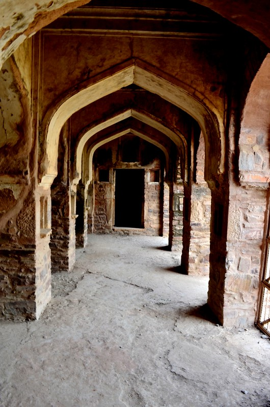 Arch's inside Bhangarh fort