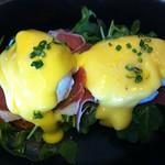 Eggs Benedict @ Manhattan Beach Post
