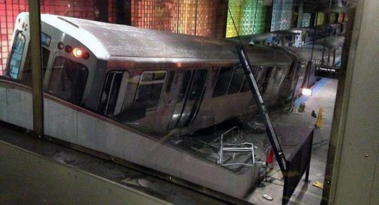 blue-line-derailment-4
