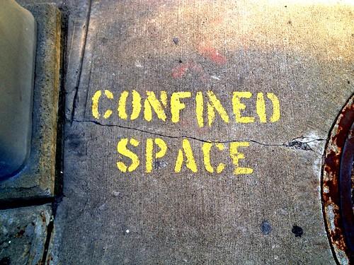 Confined by damn_que_mala