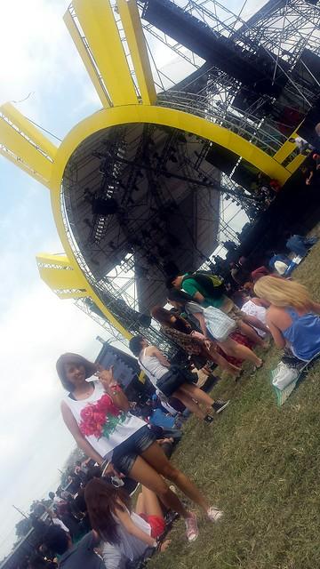 music festival look