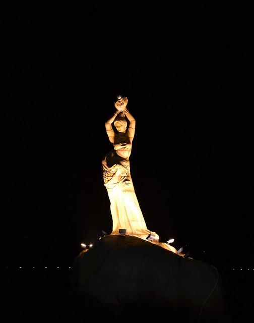 Fishergirl statue