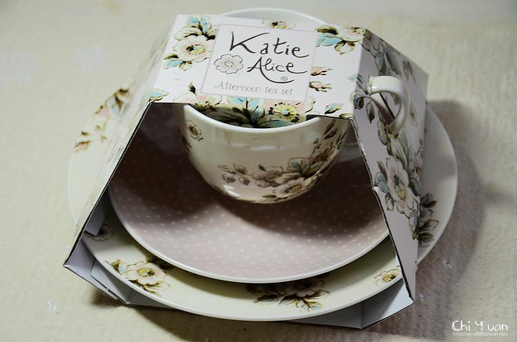 凱蒂花園杯盤組附點心盤02.jpg