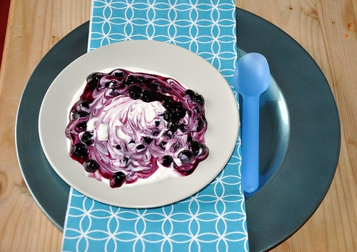 Blueberry Soup with Yoghurt