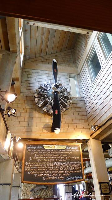 Flying Beaver Bar & Grill 0037