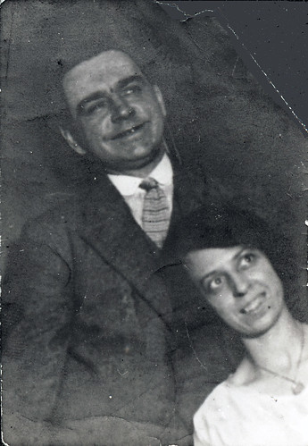 Harry Thompson Lea and Elizabeth Portlock, on the day of their engagement, c1921