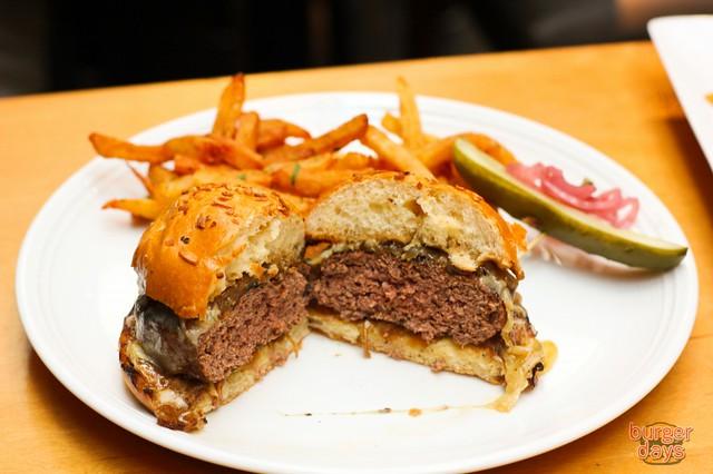 onionsoupburgersplit-1024x682