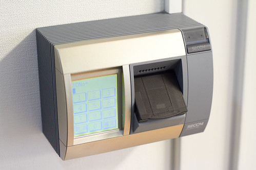 オオサカンスペースの指紋認証装置