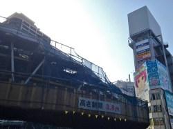 No.48 阿倍野歩道橋を地上から望む(北側)3