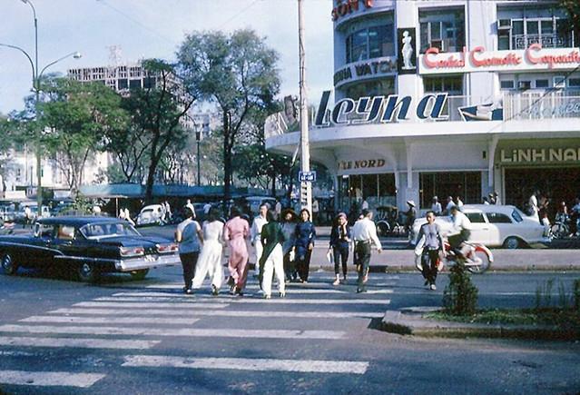 Saigon 1965-66 (4) - Le Loi Avenue