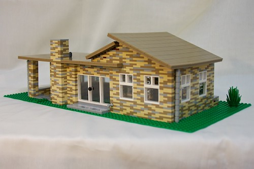 Lego Mid-Century Modern House by Rob Bender