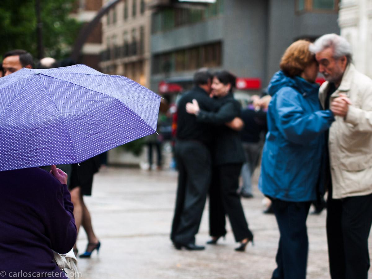 Tangos bajo la lluvia