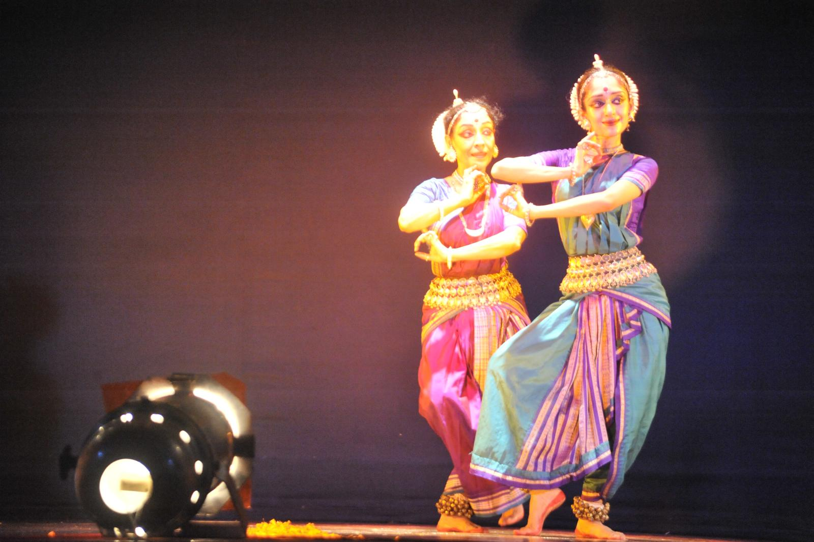 Arushi and Madhaviji in finale