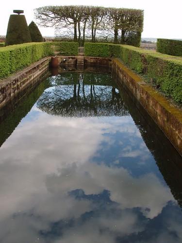 20054190072_chateau_de_Pizay_garden_reflections