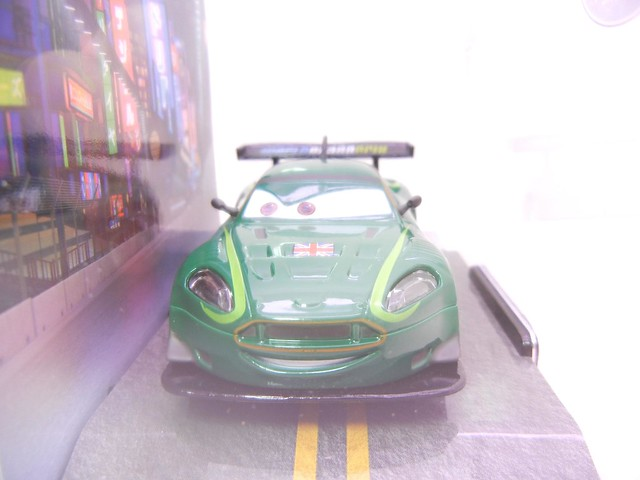 disney store cars 2 nigel gearsley (2)