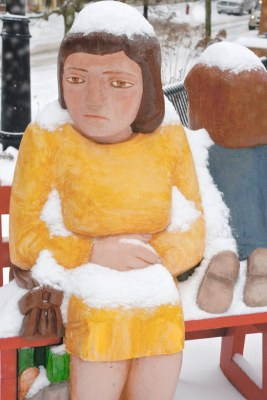 Saint John : John Hooper Statue - Waiting with Child