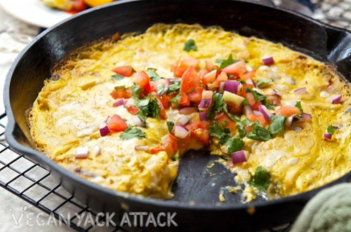 A delicious Mexican Tofu Frittata for any brunch! Filled with fajita veggies and vegan cheese. Yum!