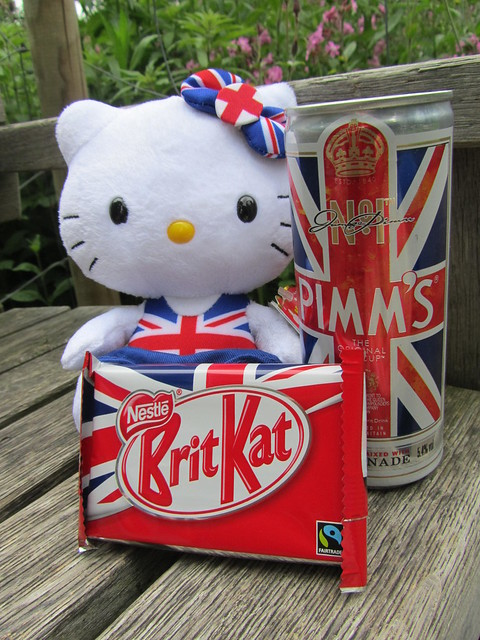 Hello Kitty's Jubilee picnic, feat. Brit Kat