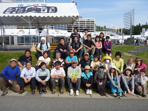 南三陸町で瓦礫片付けボランティア (ボランティアチーム援人) Volunteer at Minamisanrikucho, Miyagi pref., Affrected by the Tsunami of Japan Earthquake