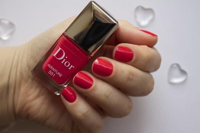 09 Dior 551 Aventure swatches