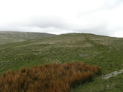 The onward path up Castle Knott