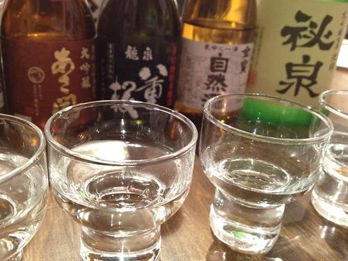 あさ開、八重桜、自然酒、秘泉で飲み比べ中。@日本酒の新しい楽しみ方を学ぶ!ワークショップ